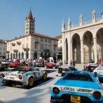 Piazza Duomo in Biella: Die Rallye-Legende der 70er Jahre sorgt auch nach über 40 Jahren für begeisterte Fans.